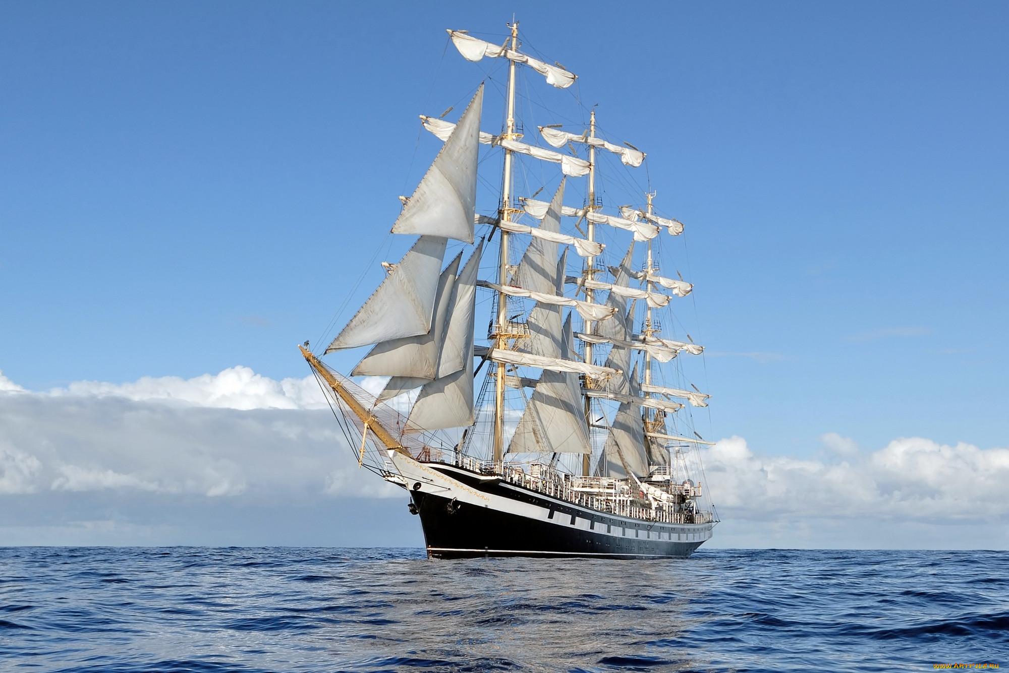 Фотографии парусников в море